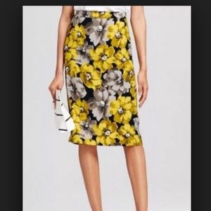 plus Size 18W Grey Yellow Flower Pleated Skirt